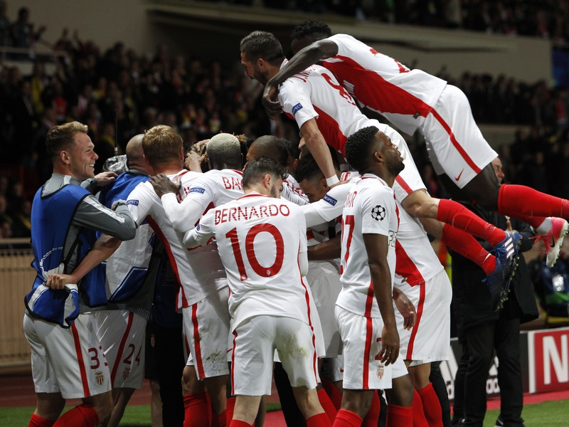 Radosť hráčov Monaca po postupe do semifinále