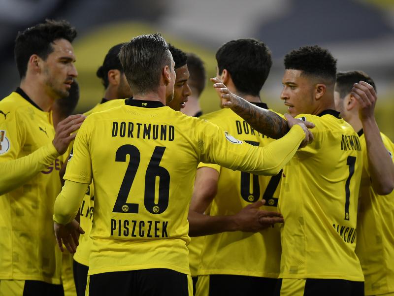 Gólové oslavy hráčov Dortmundu
