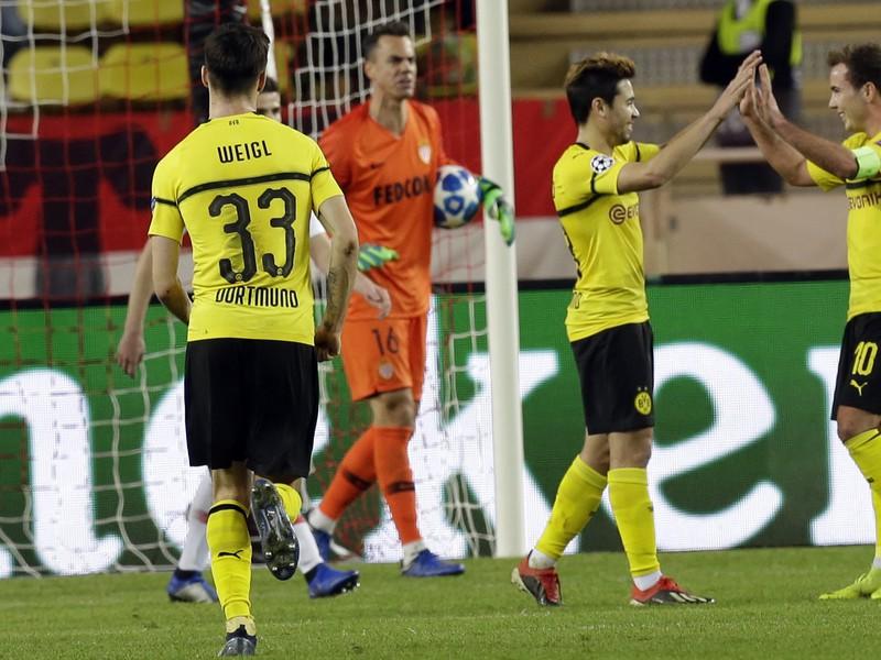 Guerreiro sa teší z gólu s Mariom Götzem