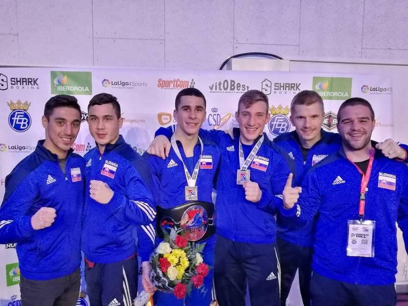 Slovenský tím zľava: Viliam Tanko, Michal Takács, Andrej Bandi Csemez, Matuš Strnisko, Pavol Hlavačka a David Michálek