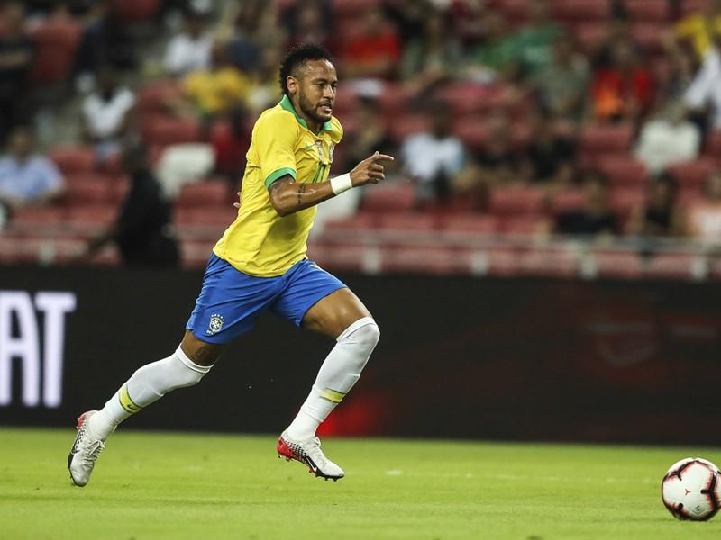 Neymar sa stal najmladším Brazílčanom so stovkou štartov v reprezentácii