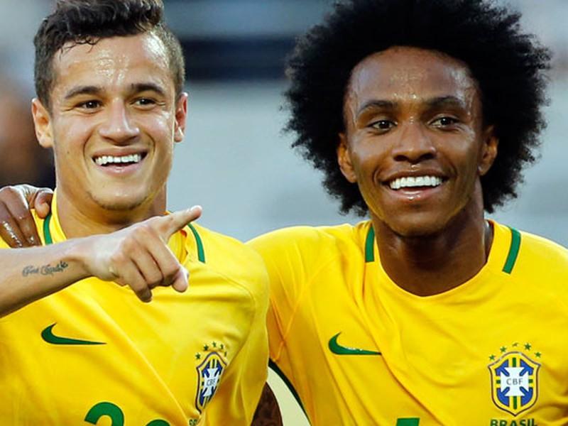 Philippe Coutinho a Willian v drese Brazílie