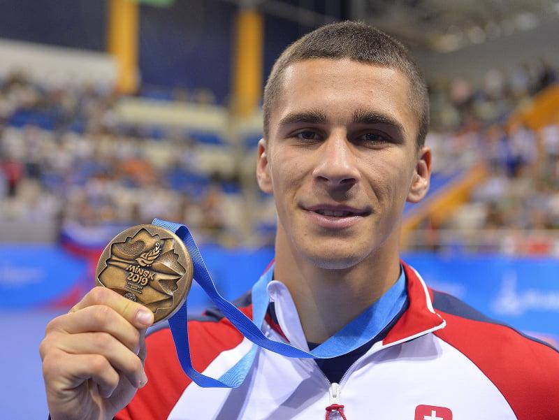 Na snímke slovenský boxer Andrej Csemez s bronzovou medailou