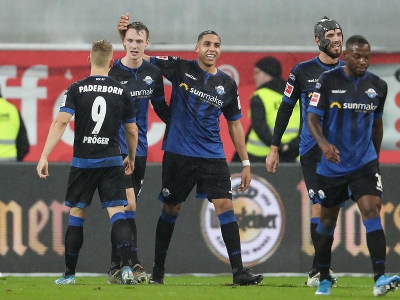Paderborn zvíťazil nad Eintrachtom Frankfurt