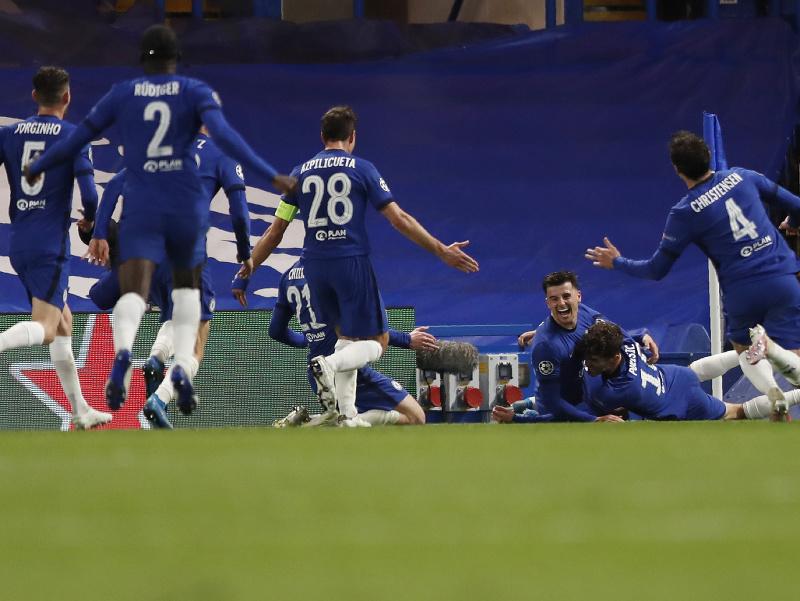 Hráči Chelsea pri oslavách
