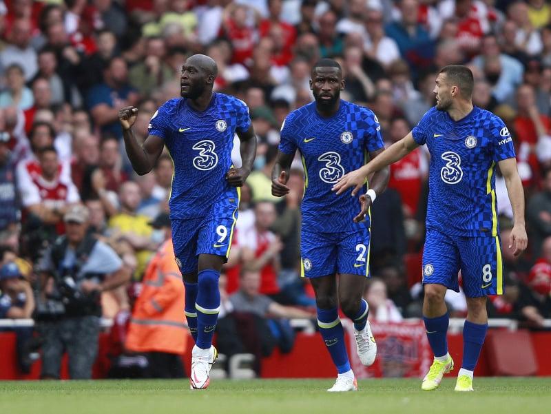 Romelu Lukaku oslavuje gól so spoluhráčmi