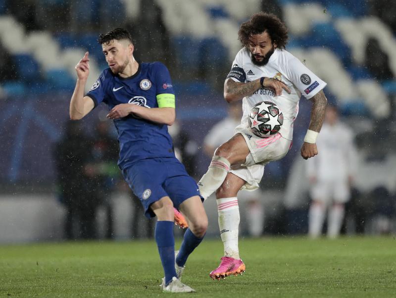 Marcelo a Jorginho v prvom semifinále Realu s Chelsea