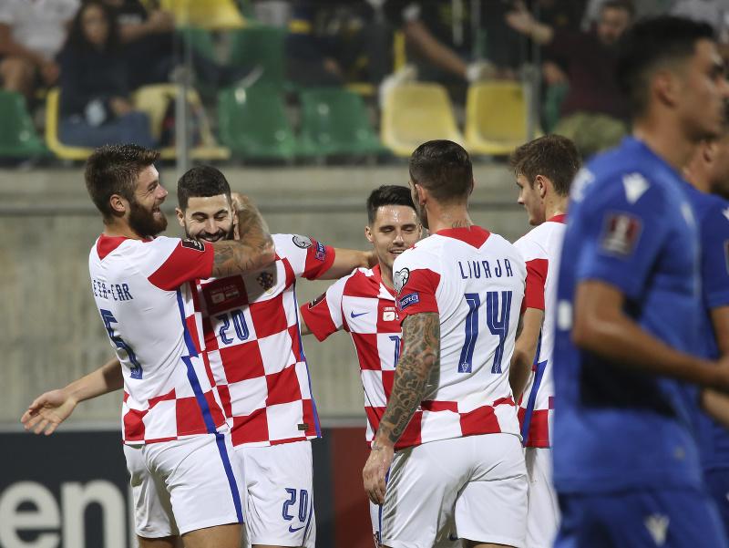 Hráči Chorvátska oslavujú gól