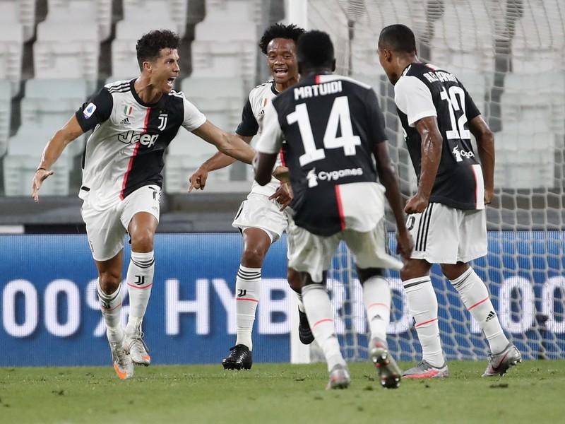 Radosť hráčov Juventusu po góle Cristiana Ronalda