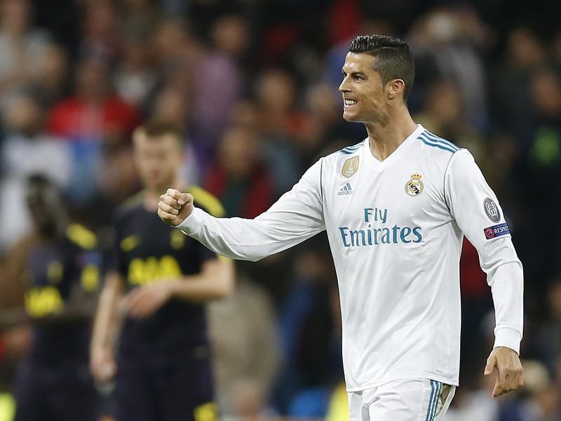Cristiano Ronaldo oslavuje gól z pokutového kopu