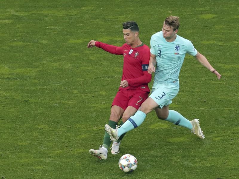 Cristiano Ronaldo a Matthijs de Ligt