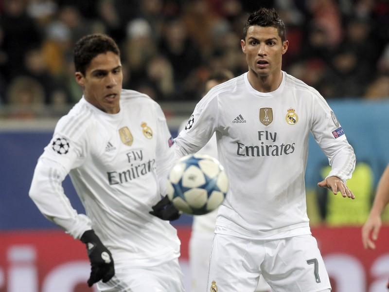 Raphael Varane a Cristiano Ronaldo
