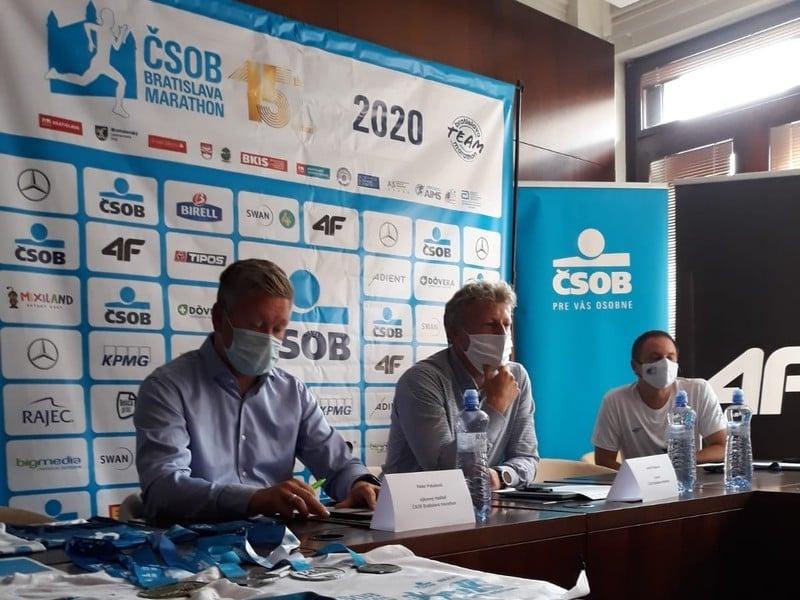Jozef Pukalovič a Peter Pukalovič na tlačovej konferencii