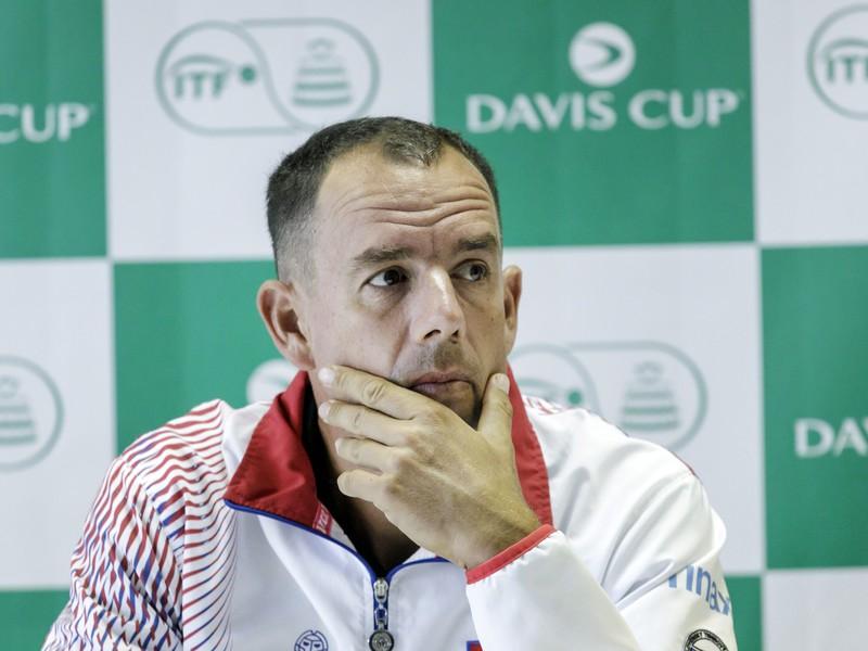 Nehrajúci kapitán slovenskej daviscupovej reprezentácie Dominik Hrbatý