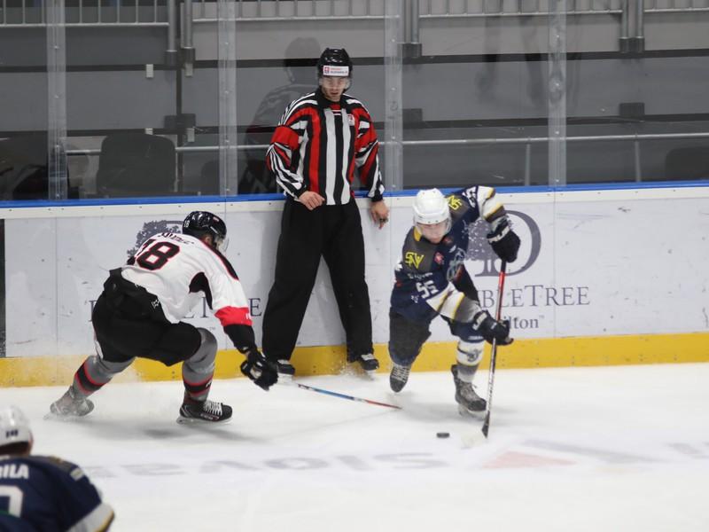 Denis Hudec z Bratislava Capitals a Jakub Köver