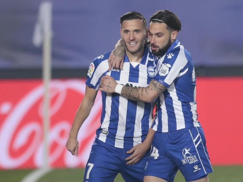 Hráči Deportiva Alavés a ich gólová radosť