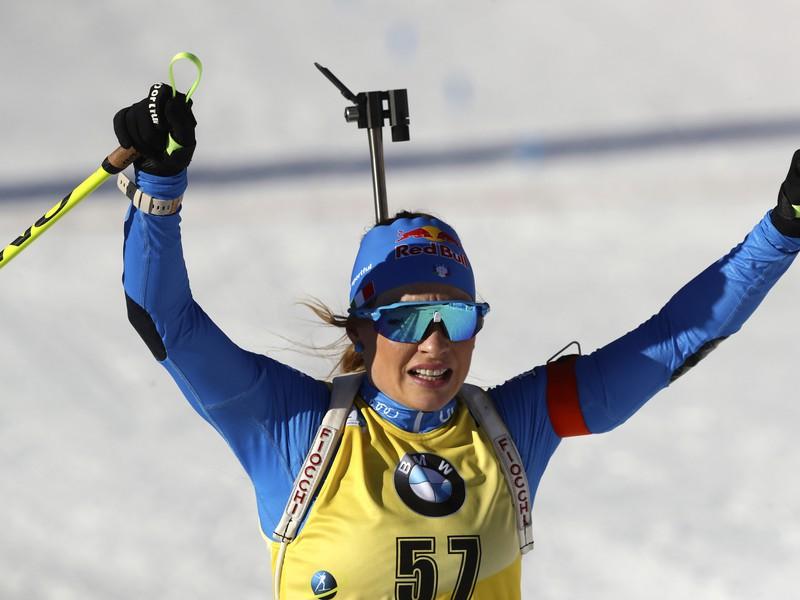 Dorothea Wiererová sa raduje z druhého zlata na MS v biatlone