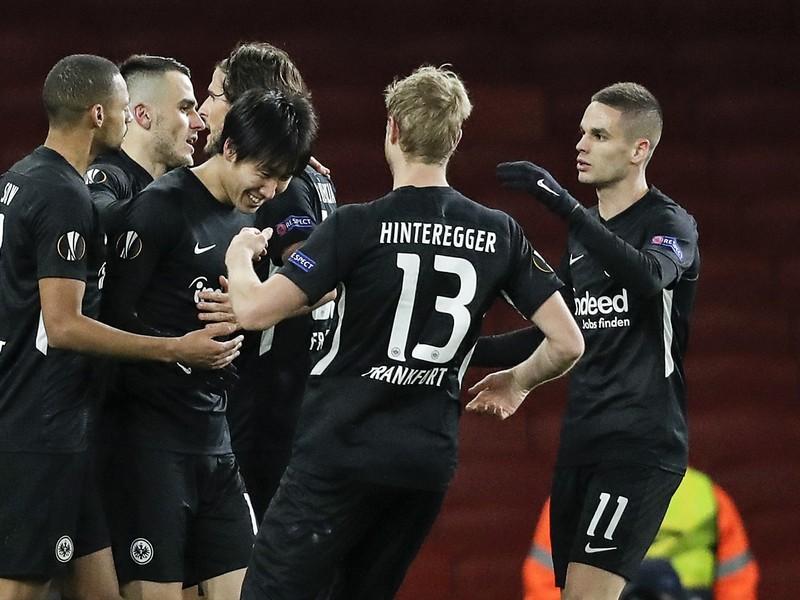 Hráči Eintrachtu a ich radosť po góle