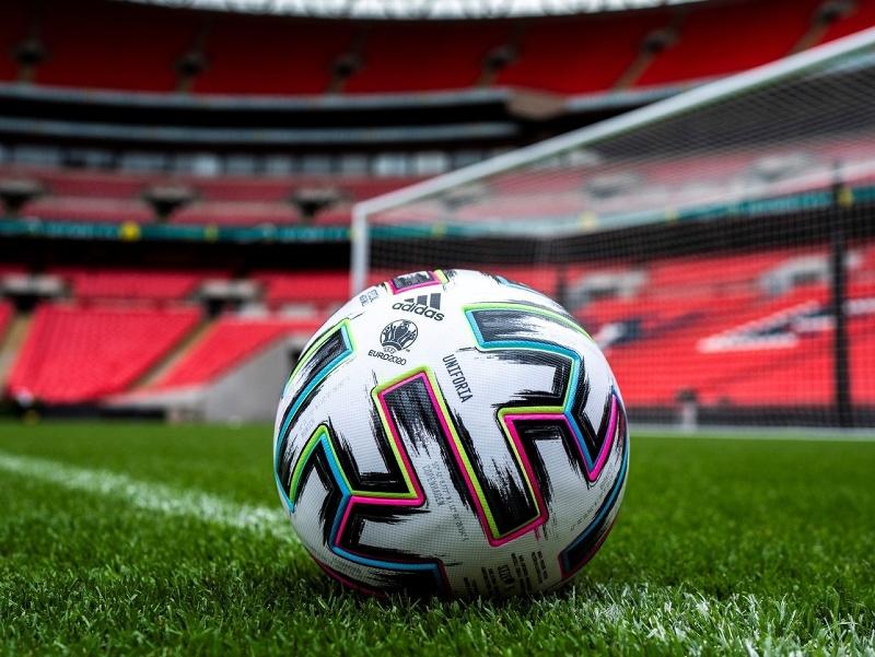 Oficiálna lopta futbalového EURO 2020 Uniforia
