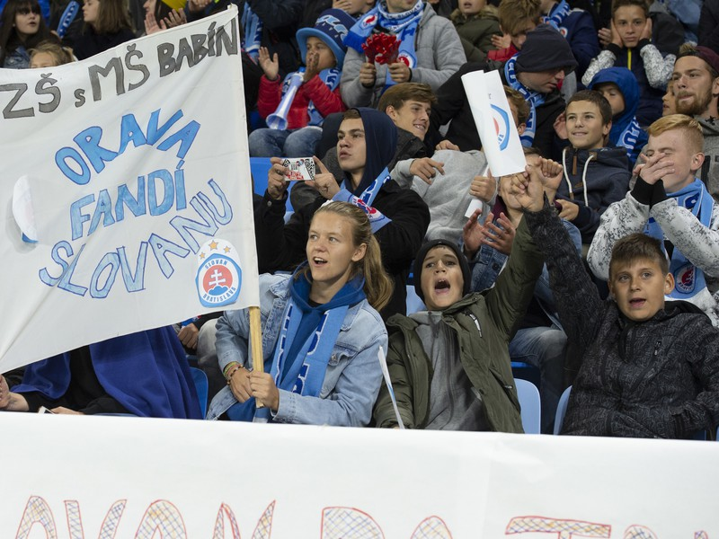 Detskí fanúšikovia povzbudzovali Slovan v prvom zápase Európskej ligy proti Besiktasu Istanbul