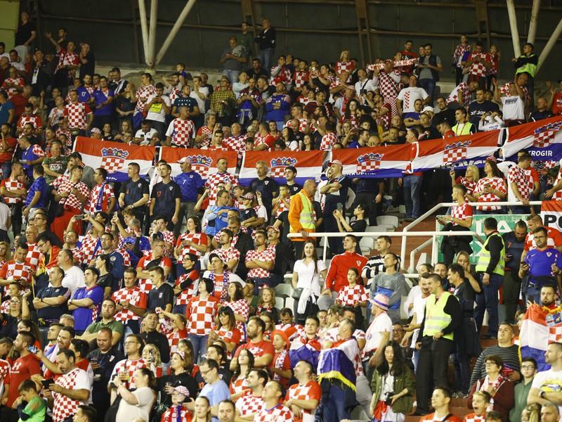 Chorvátski fanúšikovia v zápase s Maďarskom