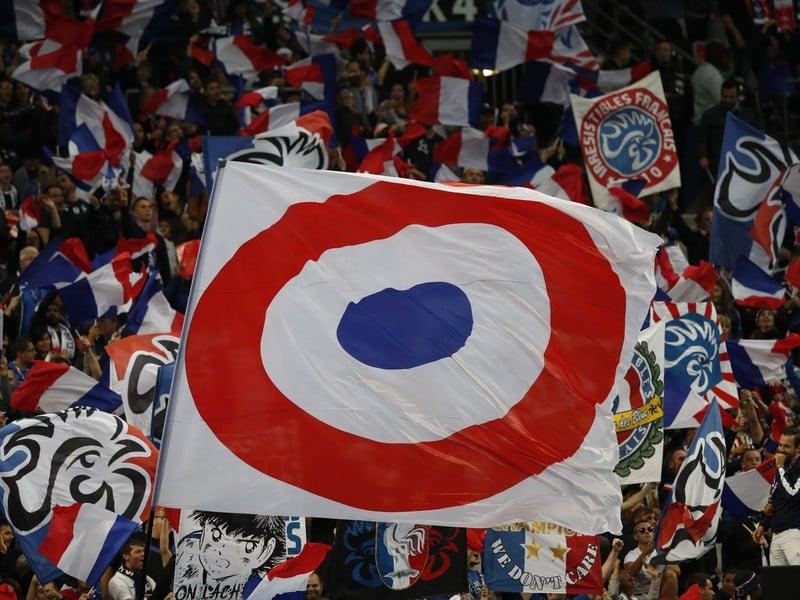 Francúzski fanúšikovia pred začiatkom zápasu