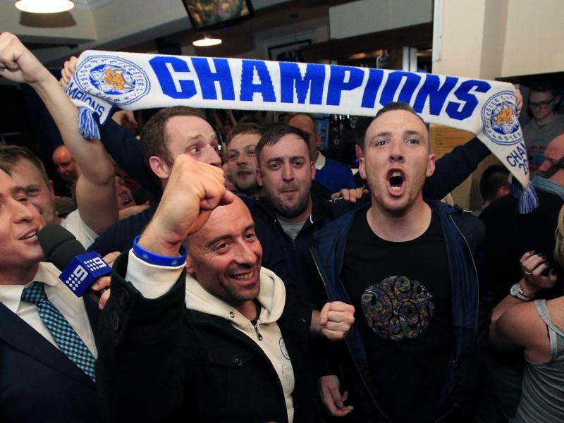 Fanúšikovia Leicestru oslavujú prvý ligový titul v histórii klubu