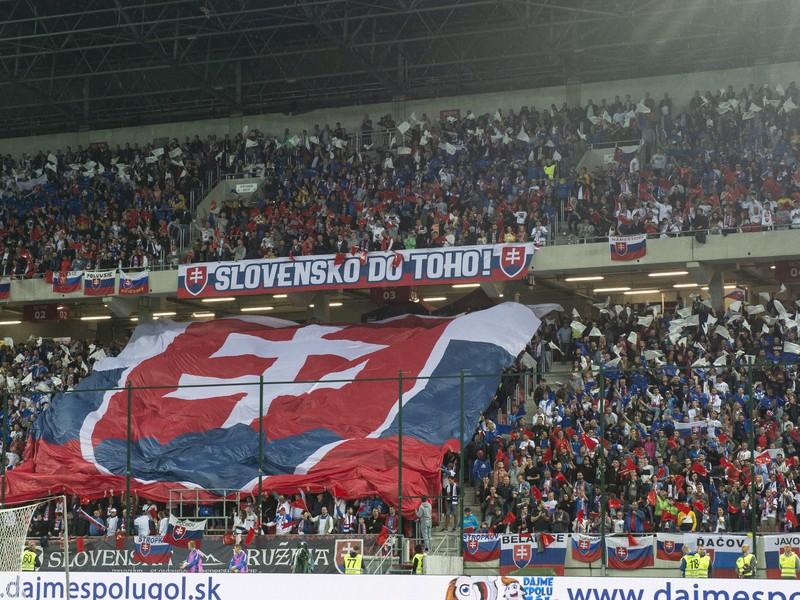 Fanúšikovia Slovenska počas kvalifikačného zápasu