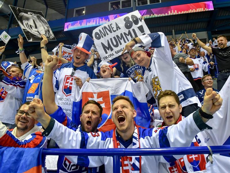 Slovenskí fanúšikovia v hľadisku