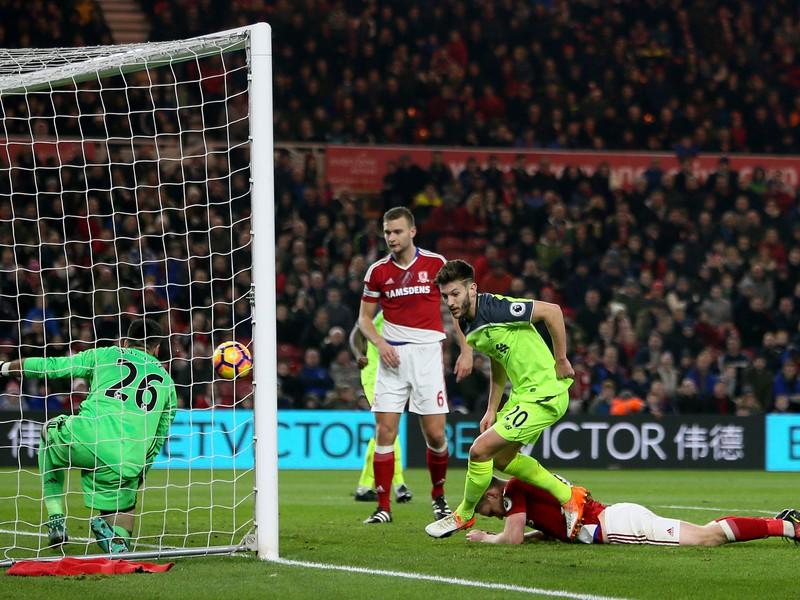 Adam Lallana strieľa úvodný gól Liverpoolu