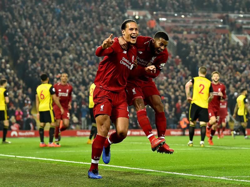 Hráči Liverpoolu oslavujú gól