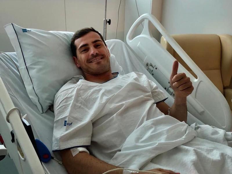 Iker Casillas na nemocničnom lôžku