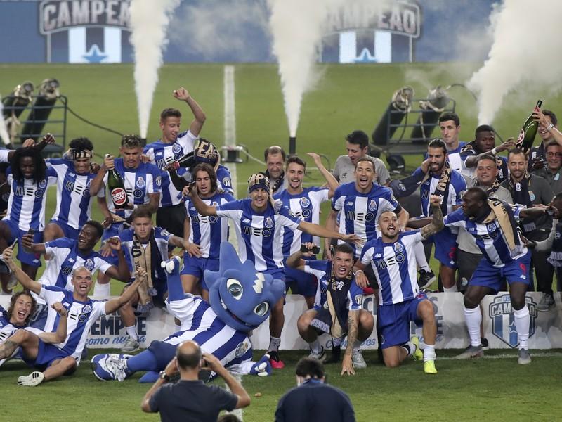 Oslavy hráčov FC Porto zo zisku ligového titulu