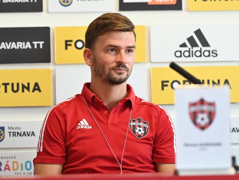 Tréner Trnavy Michal Gašparík počas tlačovej konferencie FC Spartak Trnava