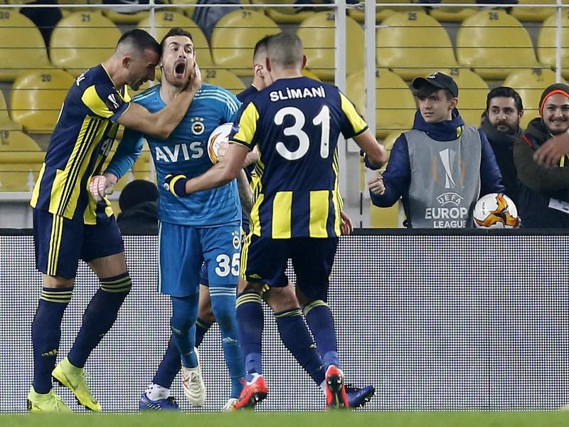 Radosť hráčov Fenerbahce Istanbul