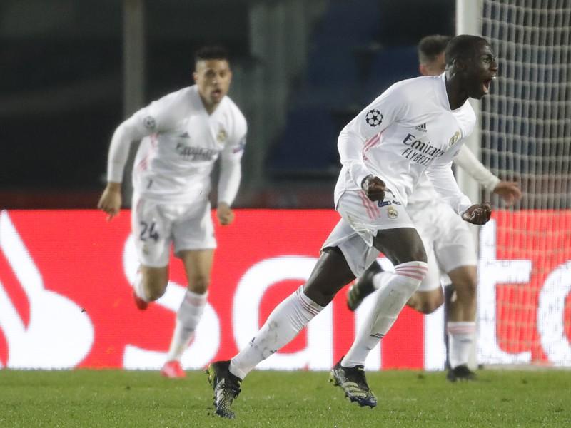 Futbalista Realu Madrid Ferland Mendy sa teší po strelení gólu
