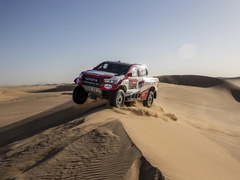Fernando Alonso počas etapy na Rely Dakar