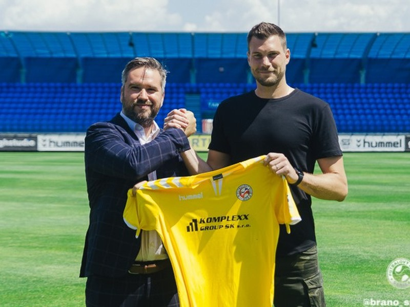 Český brankár Tomáš Fryšták sa stal novou posilou futbalistov FK Senica.
