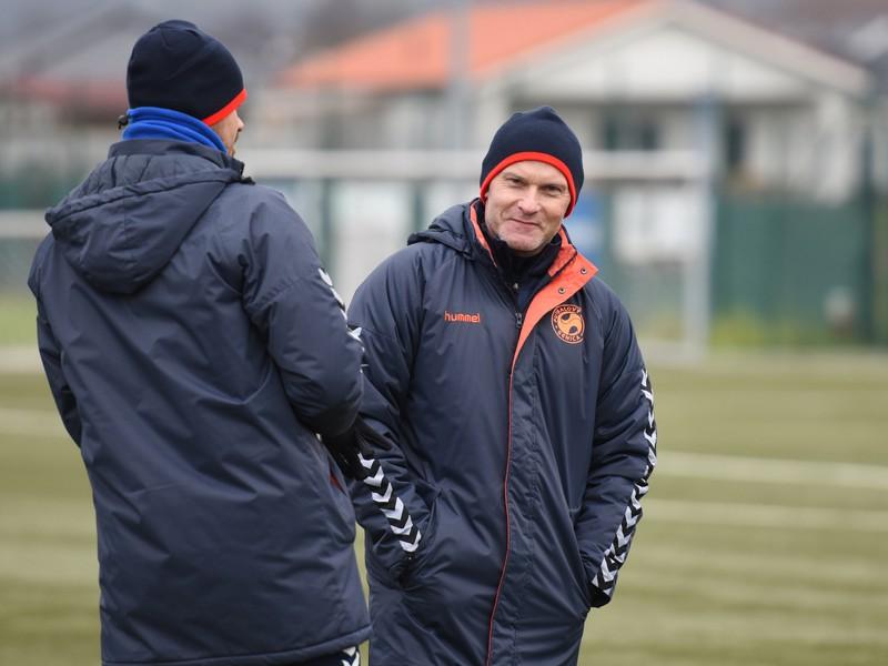 Vpravo tréner Senice Anton Šoltis počas prvého tréningu v zimnej príprave pred štartom jarnej časti Fortuna ligy