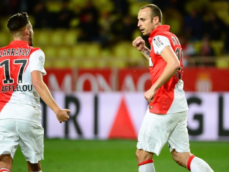 Dimitar Berbatov oslavuje vedúci gól Monaka