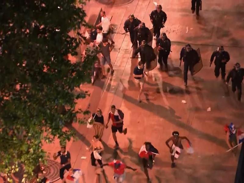 Francúzska polícia zasahuje proti výtržníkom