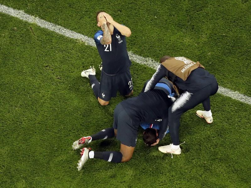 Radosť francúzskych futbalistov po postupe do finále