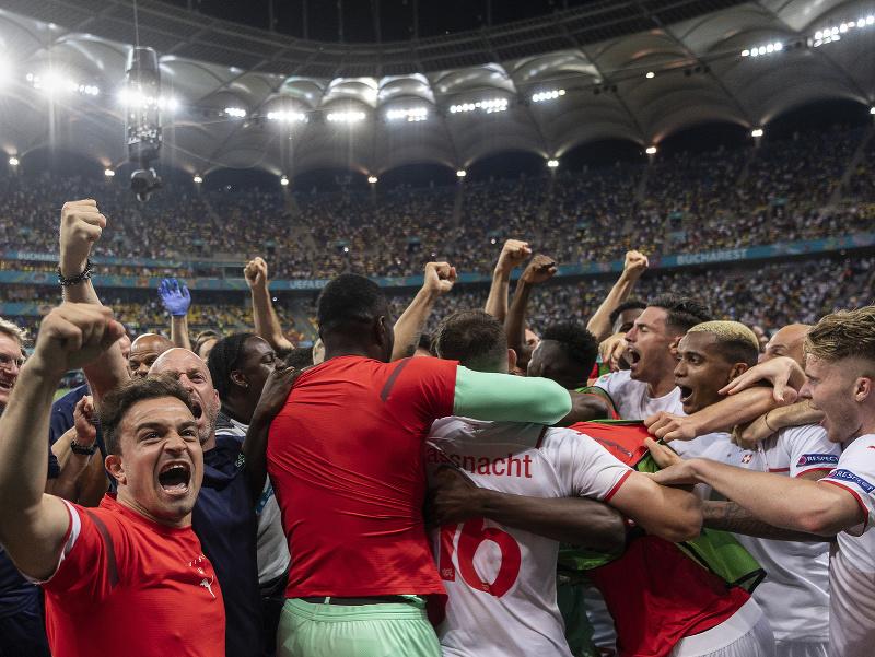 Oslavy hráčov Švajčiarska po postupe cez Francúzsko