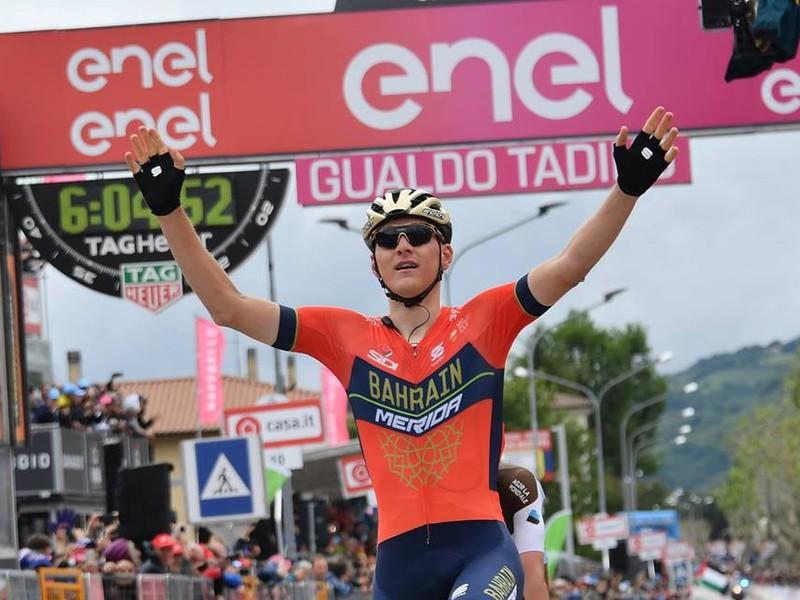 Matej Mohorič víťazom utorkovej 10. etapy na cyklistických pretekoch Grand Tour Giro d'Italia