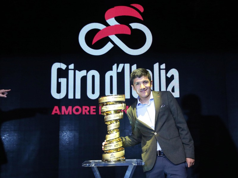 Minuloročný víťaz Giro d'Italia Richard Carapaz
