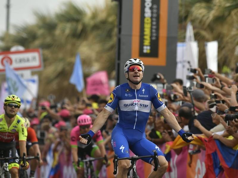Elia Viviani víťazom druhej etapy Gira