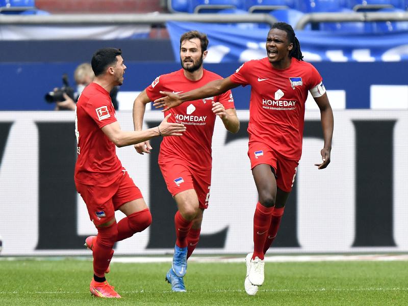 Dedryck Boyata a jeho gólové oslavy so spoluhráčmi