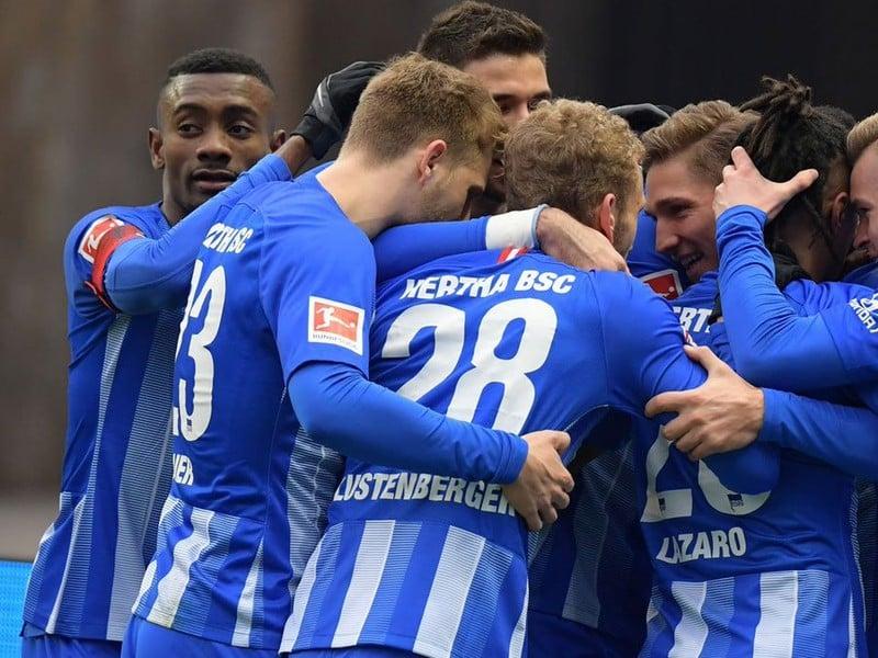 Hráči Herthy sa radujú z gólu