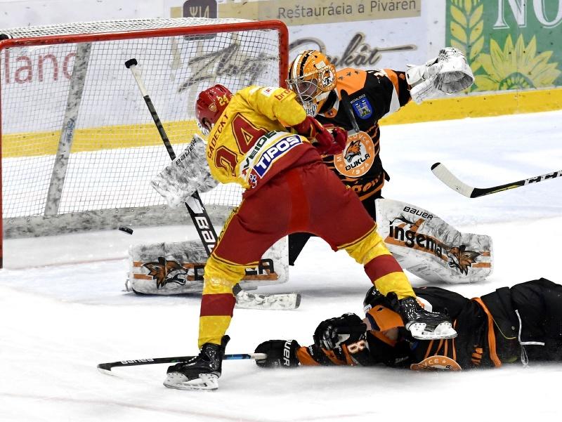 Boris Sádecký strieľa úvodný gól včerajšieho stretnutia