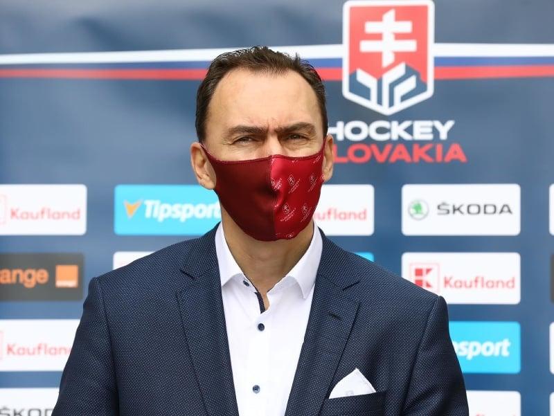 Miroslav Šatan na tlačovej konferencii SZĽH